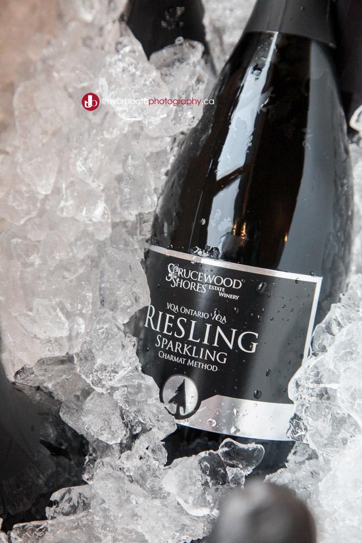 Sparkling-wine-on-ice